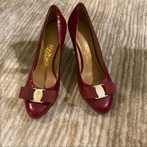 Salvatore ferragamo red bow heel pump 37